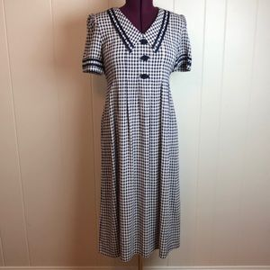 Vintage 80s/90s Checkered Pleated Shift Dress